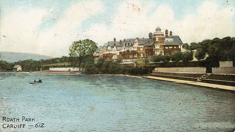 Bathing at Roath Park Lake