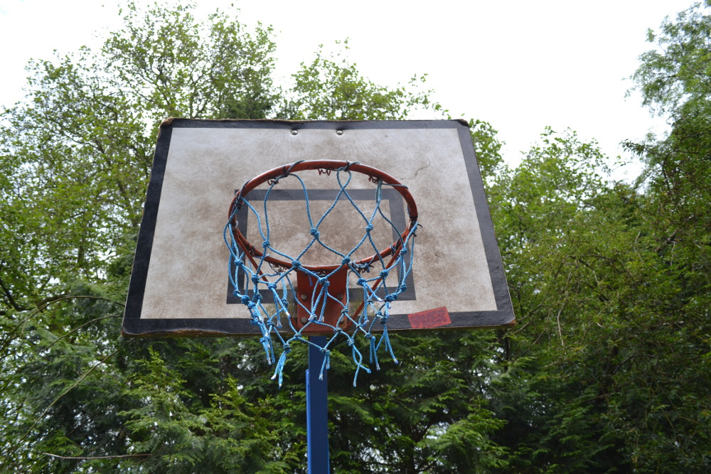 The basketball hoop in disrepair