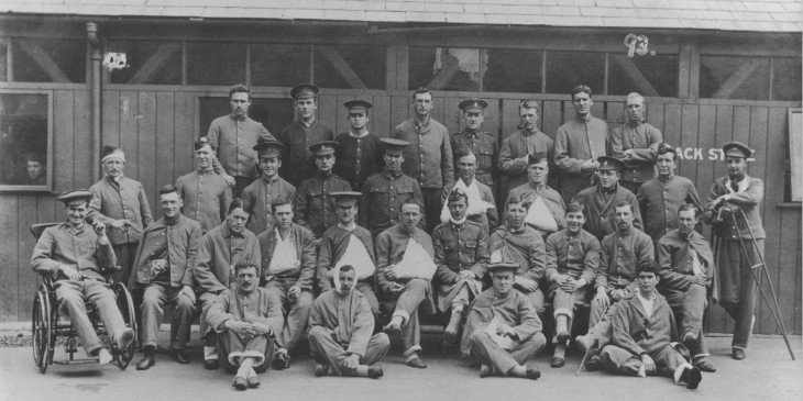 First World War soldiers gathered in the Albany Primary School yard