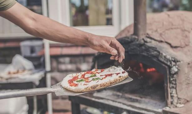 Dusty Knuckle pizza oven Blas street food Roath
